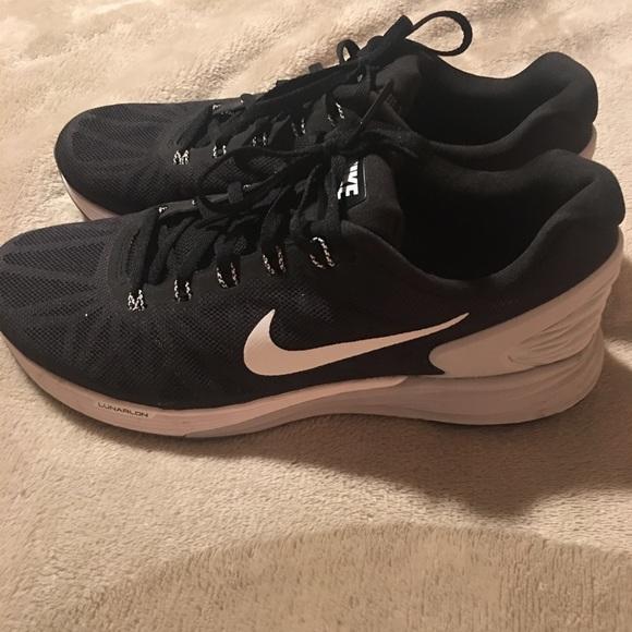 official photos 61719 83cb7 Women s Nike Lunarglide 6, size 9 black. M 5a569ec1b7f72bbdd40028b5